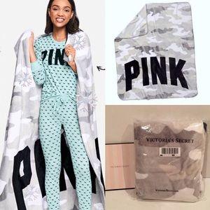 Pink Victoria Secret Camo Plush Fleece